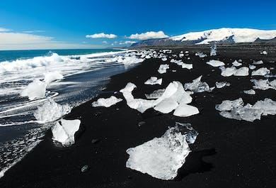 Tour de 2 días a Jökulsárlón | Senderismo en el glaciar, Tour en barco, Playa de arena negra y Cascadas de la Costa Sur