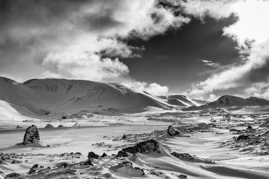 Iceland is the perfect location to combine a number of hobbies; skiing and photography go together like a hand and a glove.