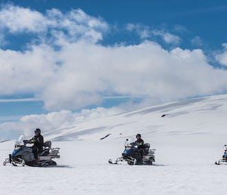 Moto de nieve y túnel de hielo | Tour completo por el glaciar Langjokull