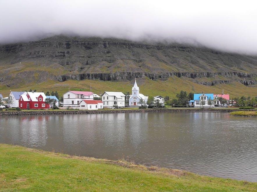 L'hébergement à Seydisfjordur permet aux visiteurs d'accéder à un endroit très isolé et magnifique.