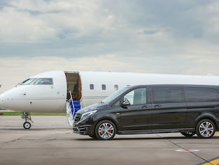 Luxurious Private Airport Transfer | Reykjavik to Keflavik Airport in a new Mercedes Benz V-class lu