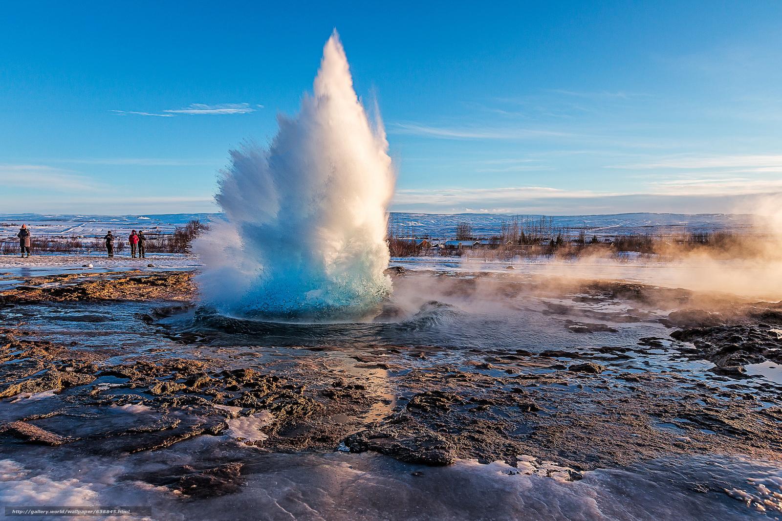 La sorgente calda, Strokkur, erutta circa ogni dieci minuti: uno spettacolo fantastico per i fotografi e per gli amanti della natura.