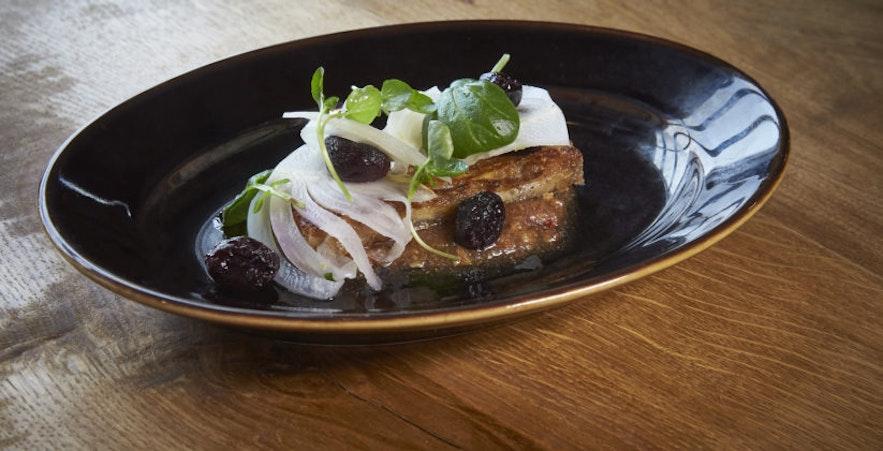 Heerlijk eten in restaurant Von Mathús in Hafnarfjörður