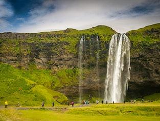 South Coast & Waterfalls (Seljalandsfoss - Skógafoss - Gljúfrabúi - Reynisfjara - Dyrhólaey)