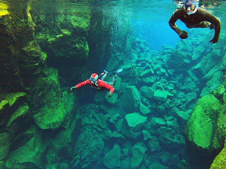 アイスランドで泳ぐ!