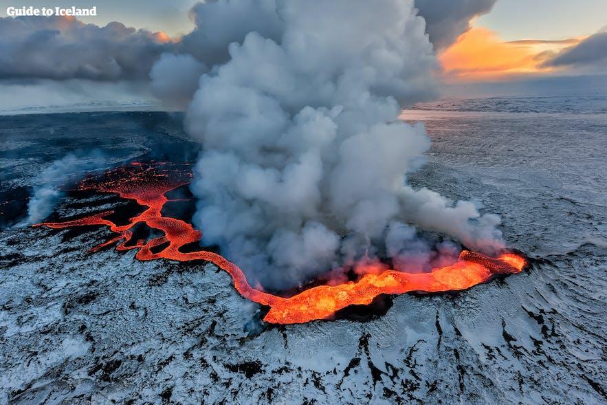 Jedna z erupcji na Islandii