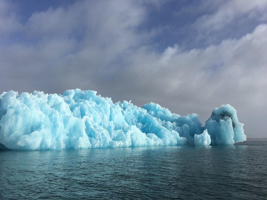 bloc de glace bleu Jokulsarlon