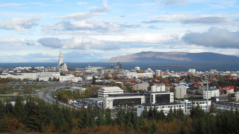 The ever increasing hotel industry is constantly changing the skyline of Reykjavík. Photo Credit: Wikimedia, creative commons, photo by Thomas W. Fiege