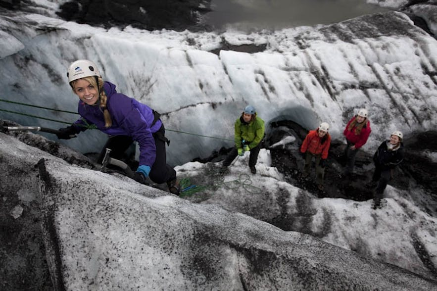 For crampons to be effective during ice climbing, you must wear sturdy, well-fitting boots, to protect yourself and others.