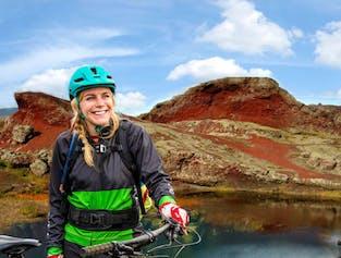 Mountainbiken ist eine der aufregendsten Möglichkeiten, in die isländische Natur einzutauchen.