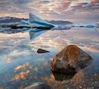Vatnajökull National Park boasts countless natural wonders, but the most famous is arguably Jökulsárlón glacier lagoon.