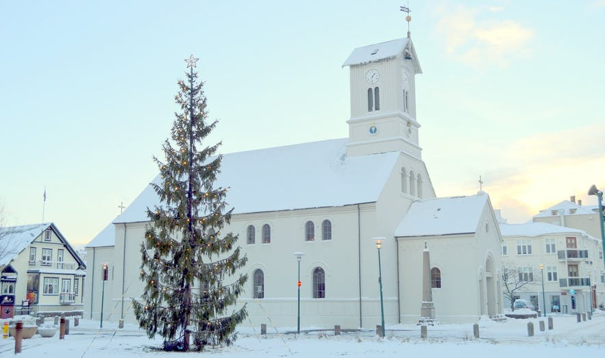 Dómkirkjan (Reykjavík Cathedral) in central Reykjavík.