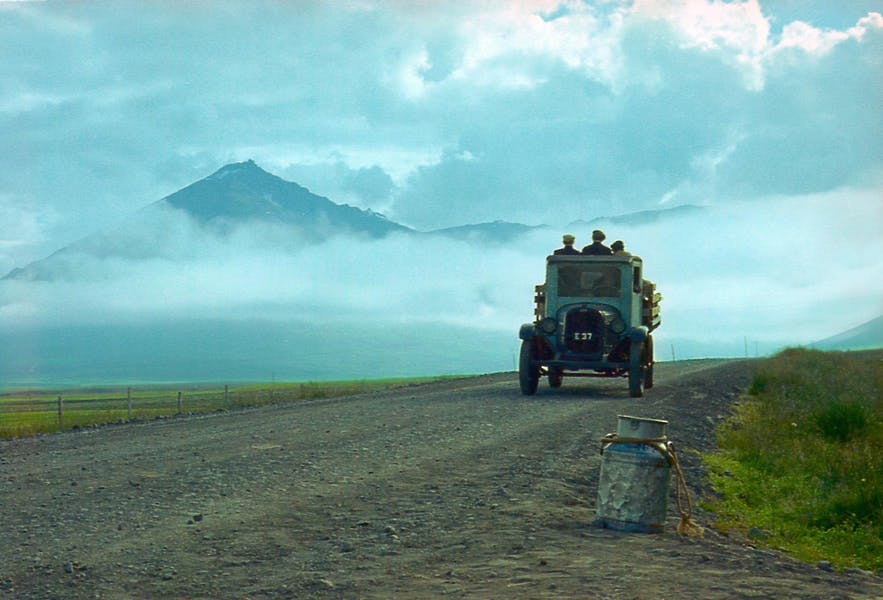 A still from Land and Sons (1980)