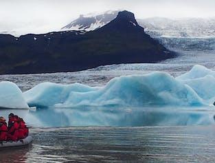 Boat tour on Fjallsarlon Glacier Lagoon