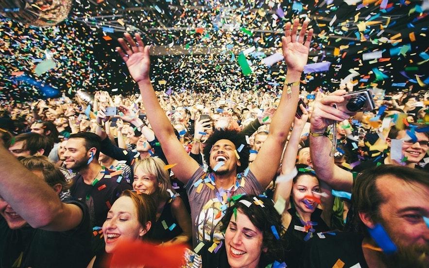 人気の音楽フェス、エアウェイブスでのワンシーン