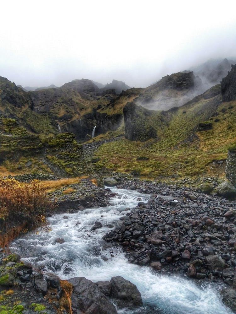 A glacier stream winds its way through Þórmörk.