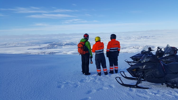 Explore the stunning landscapes of Landmannalaugar on this 2-Day Snowmobiling Tour.