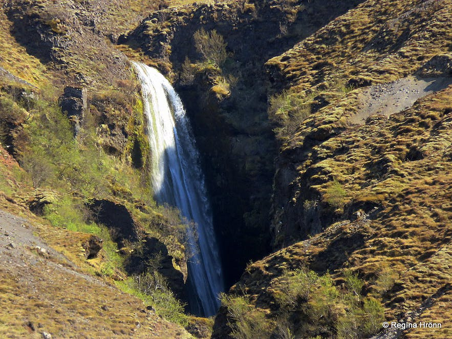 The Mystical Nauthúsagil Ravine in South-Iceland & its beautiful Waterfalls
