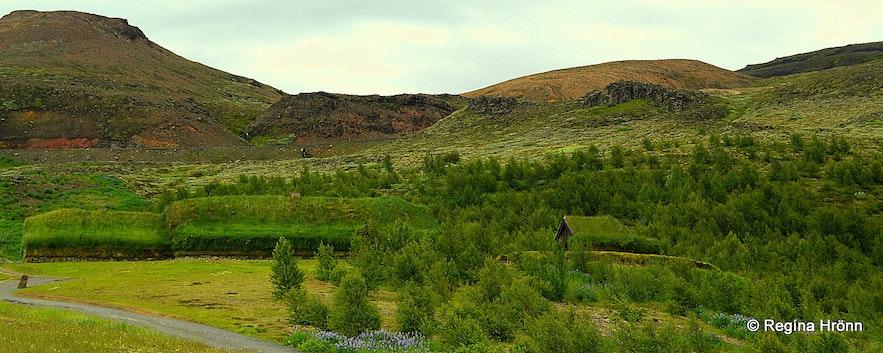 Þjóðveldisbærinn replica of a Saga-age farm