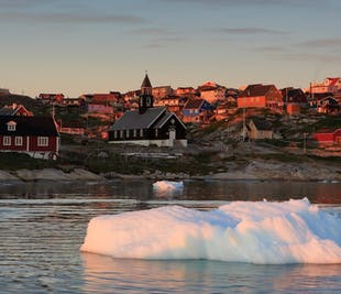 レイキャビク空港発|グリーンランド西海岸の観光とホエールウォッチング