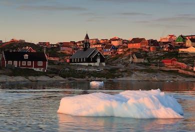 レイキャビク空港発 グリーンランド西海岸の観光とホエールウォッチング