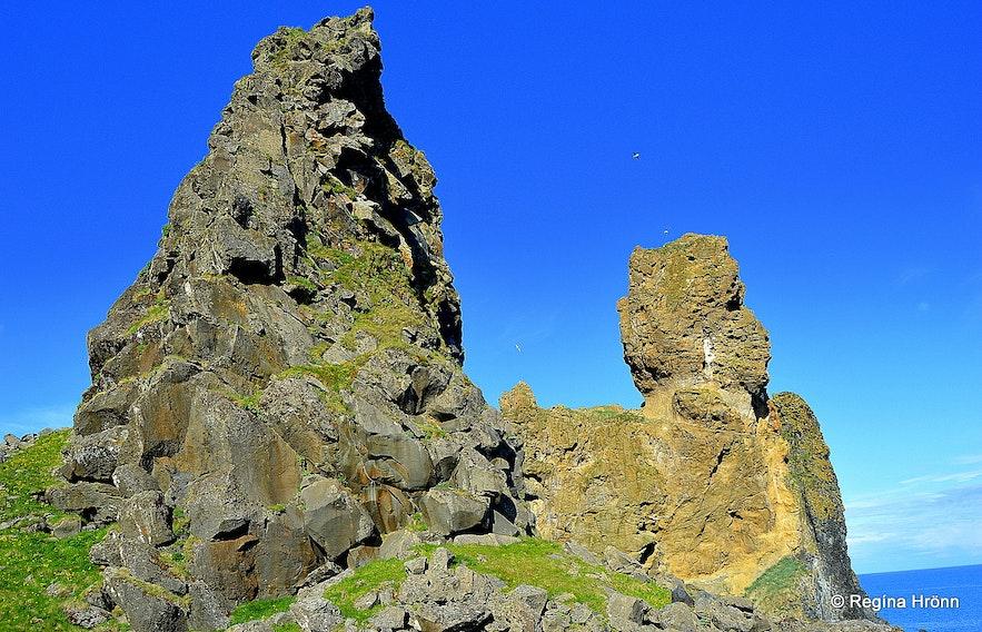 Lóndrangar cliffs Snæfellsnes