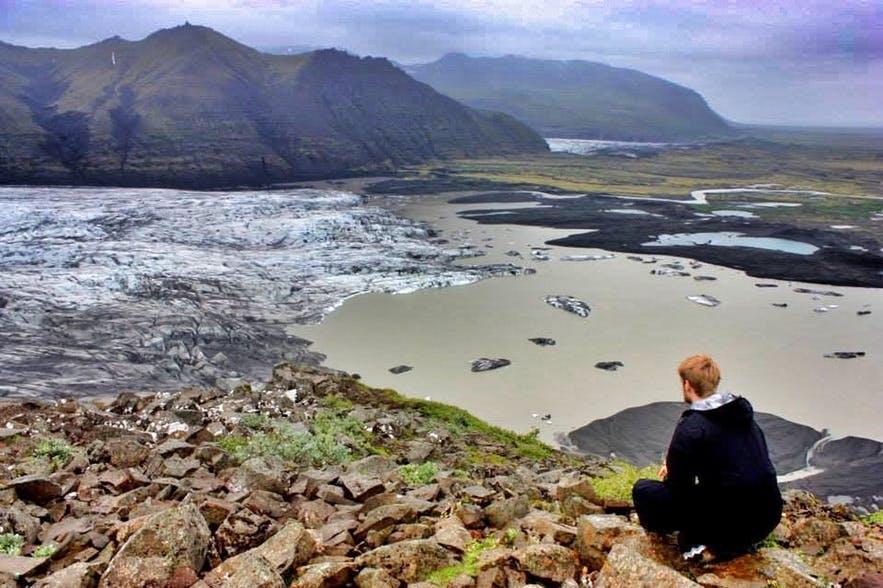 冰岛斯卡夫塔山自然保护区内有壮观的冰舌