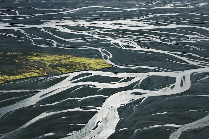 冰岛冰川河黑沙滩-抽象艺术画般的极致冰岛景色
