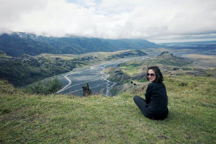 在冰岛中央内陆高地-索斯莫克山谷徒步登山