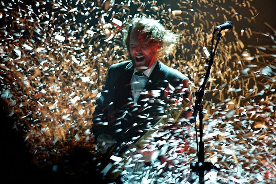 """Georg Hólm, bassist of Sigur Rós, performing """"Popplagið"""" in Laugardalshöllin, Reykjavík, Iceland. 23 November 2008."""