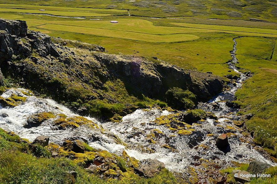 Waterfall Ósómi Ingjaldssandur