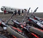 幅の広いタイヤを利用したマウンテンバイクなら凸凹や砂の上も簡単に移動できる