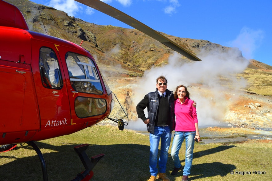 Regína with the pilot at A helicopter ride in Iceland - geothermal areas Regína with the pilot