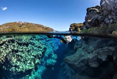 レイキャビク発 シュノーケリング+洞窟探検のアドベンチャー