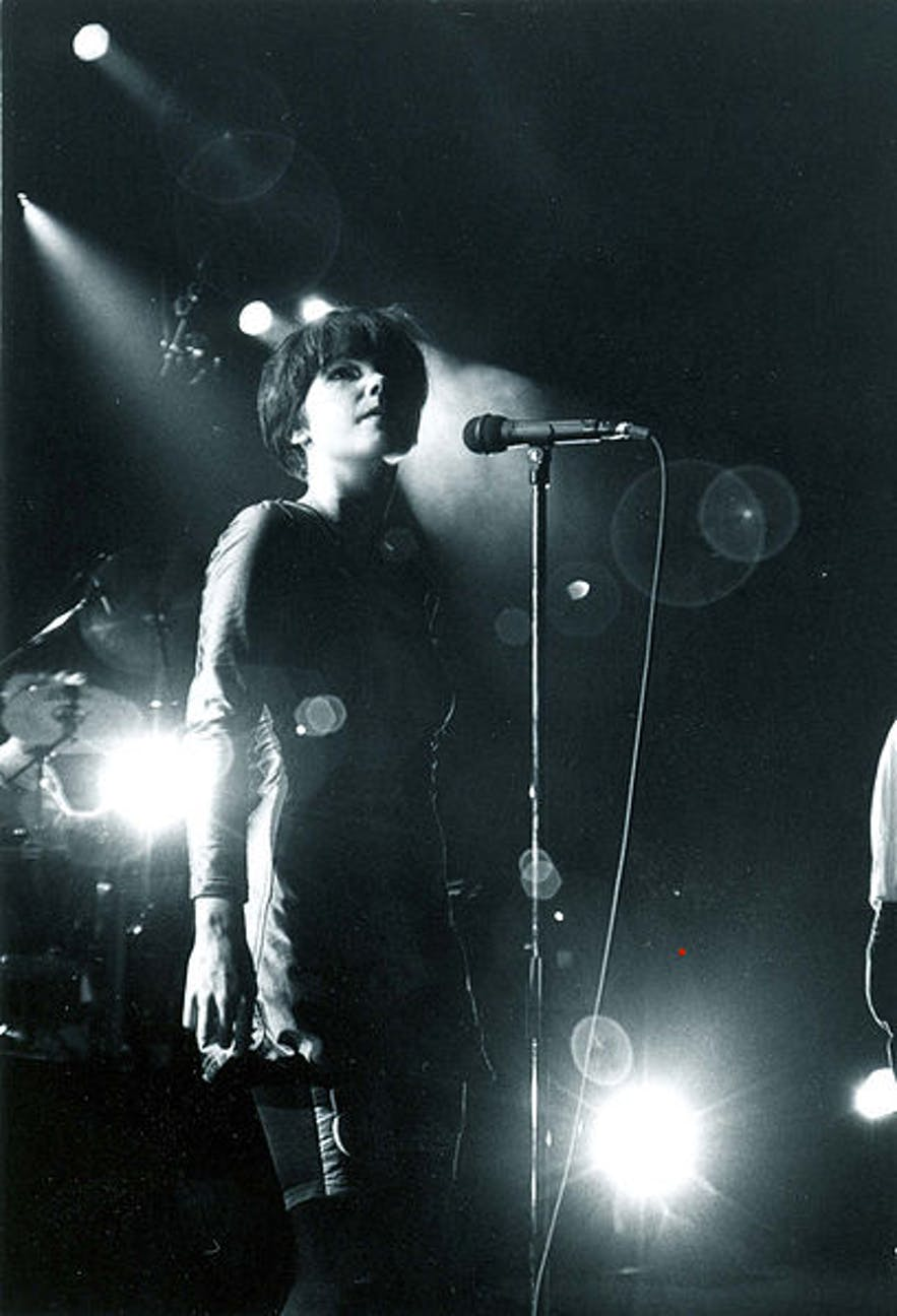 Bjork performing with The Sugarcubes,