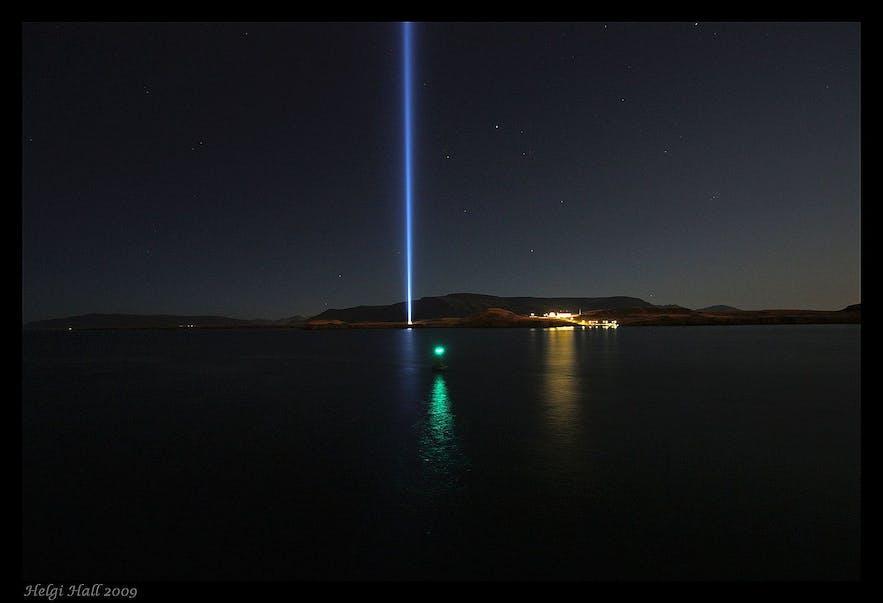 Imagine Peace Tower jest położona na wyspie Viðey.