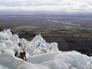 現地集合 | スカフタフェットル発氷河ハイキング(経験者向け)