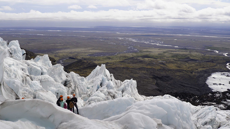 Widoki z lodowca Vatnajökull latem są niesamowite.