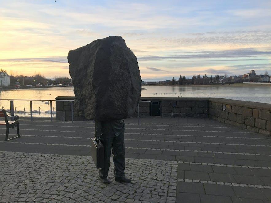 'Le monument au Bureaucrate inconnu'