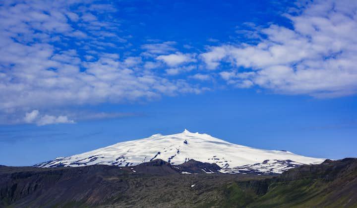 Le volcan glacier Snæfellsjökull est le trésor de la péninsule de Snaefellsnes