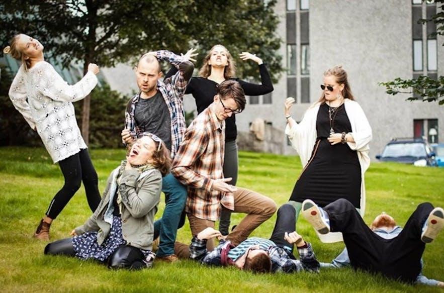 Występ - improwizacja na żywo w Reykjaviku.