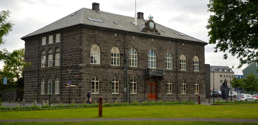 The Parliament Building is where Icelandic politicians are currently planning the next volcanic eruption and economic crash. Photo by Regína Hrönn Ragnarsdóttir.