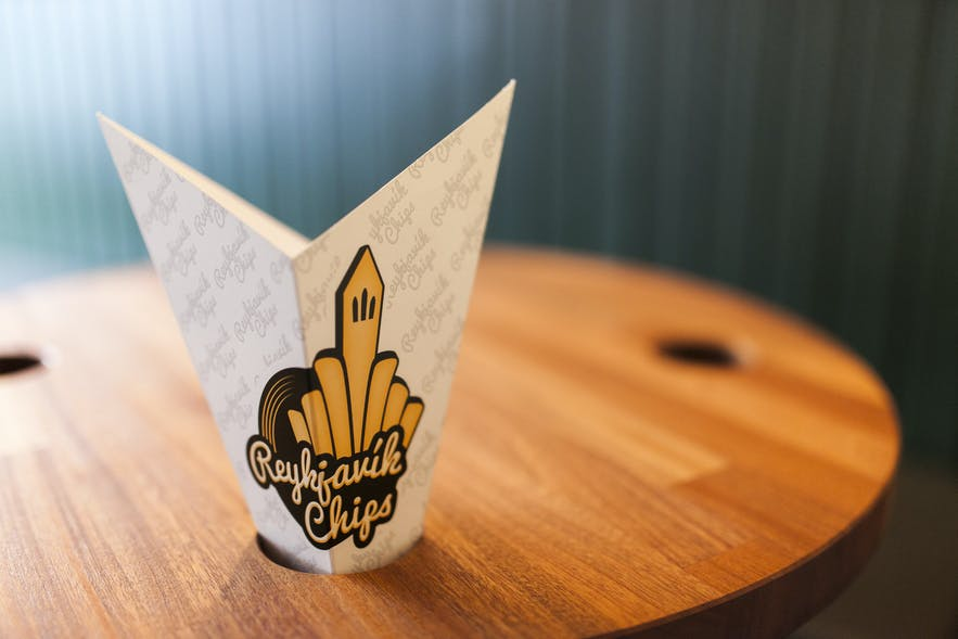 Their logo is an adorable collage of Hallgrímskirkja and chips!