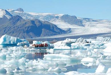 ボートツアー付き | ヨークルスアゥルロゥン氷河湖 日帰りバスツアー