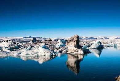 ヨークルスアゥルロゥン氷河湖の日帰りツアー