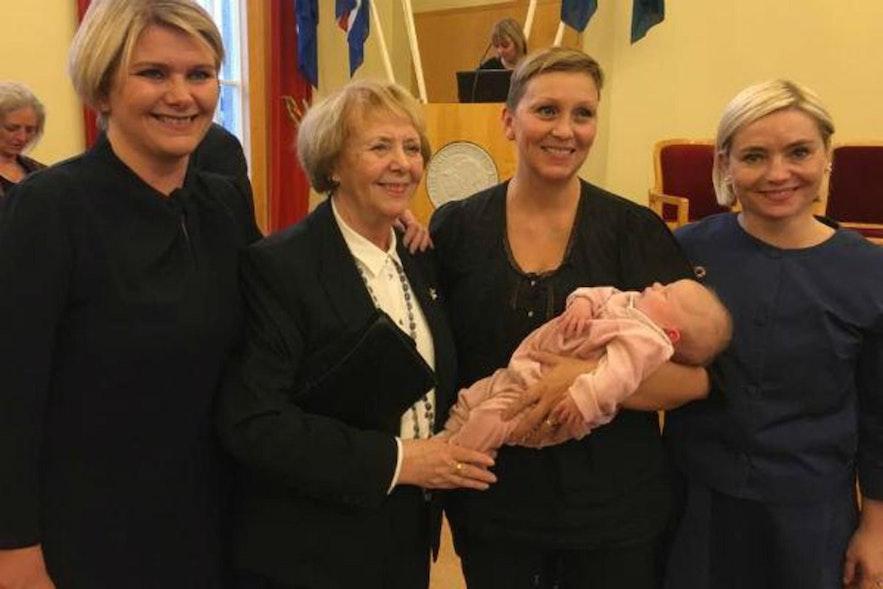 議員として活躍をしているアイスランドの女性達
