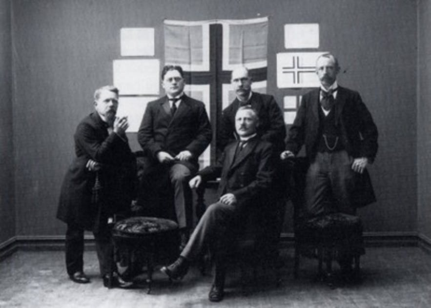 The 1914 Flag Committee.