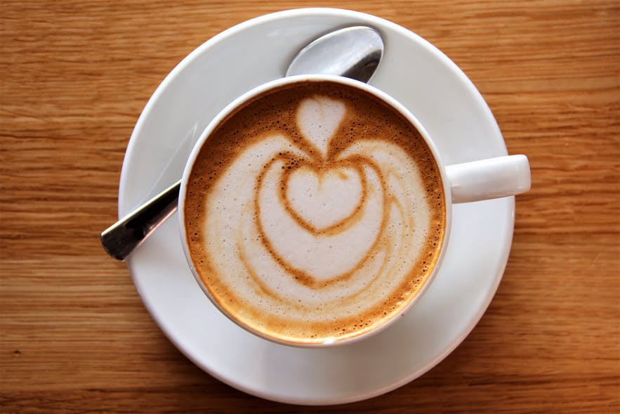 Nowadays, most coffee shops and restaurants offer plant milk for the coffee!