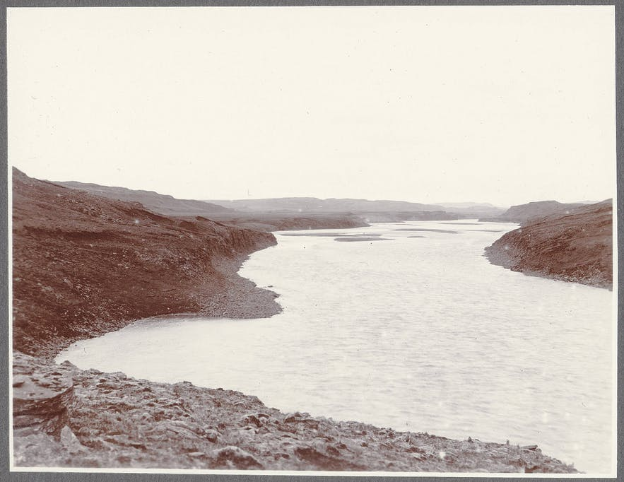 A 1900 photograph of the River Hvita. Photograph by Frederick W.W. Howell.