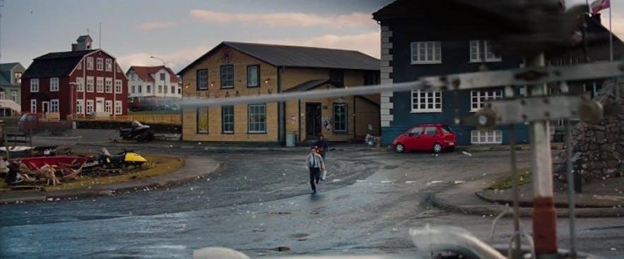 白日梦想家中的格陵兰,其实是冰岛西部的小镇斯蒂基斯霍尔米